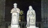 ルイ16世とマリー・アントワネットの像